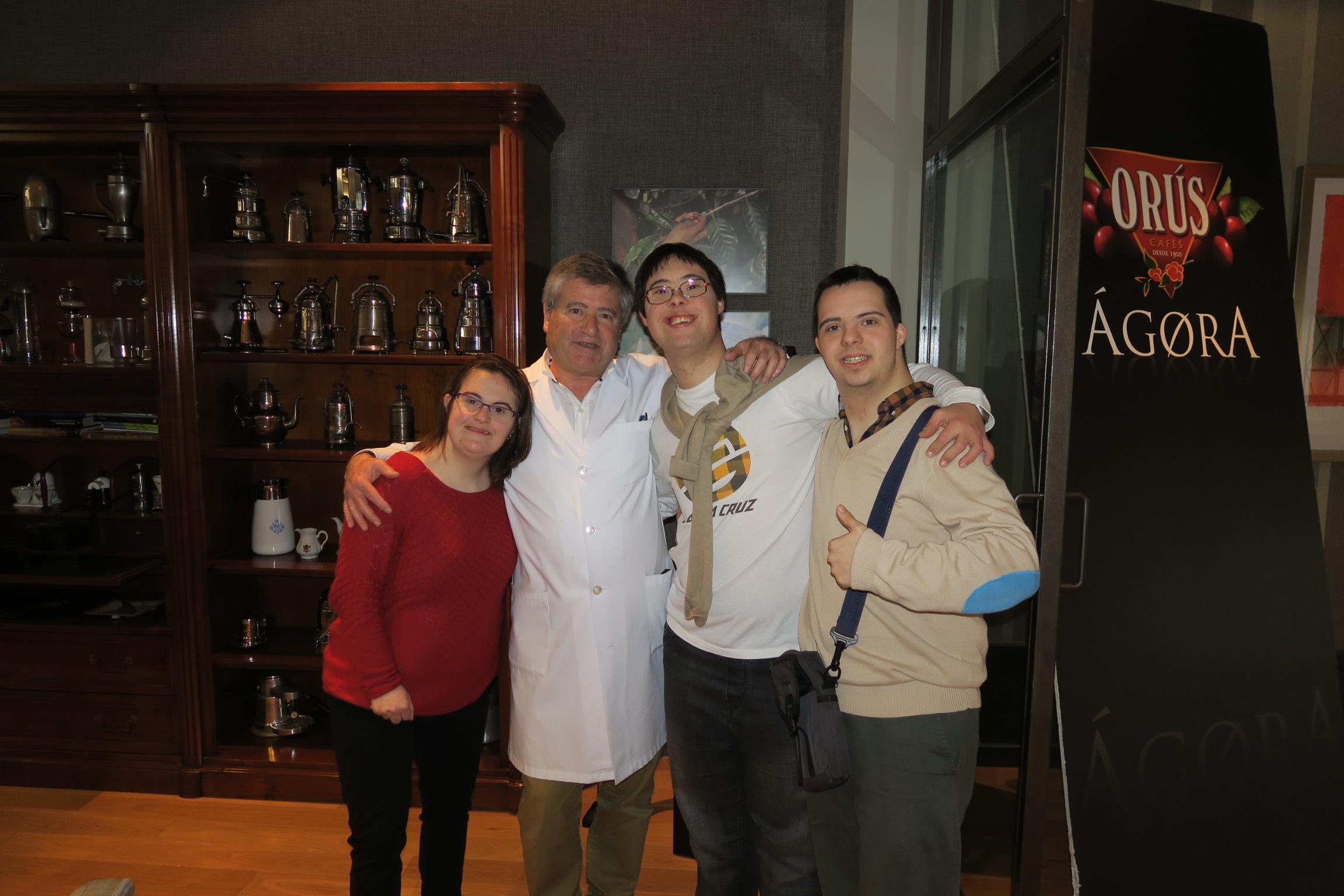 La fundación Down Zaragoza visita Ágora Cafés Orús